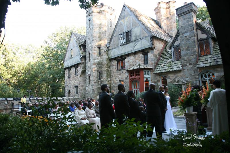 http://cloisterscastle.com/Ceremony%20in%20the%20Cloistered%20Garden