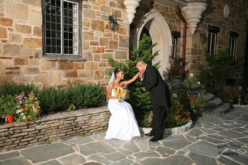 http://cloisterscastle.com/Husband%20kissing%20his%20wife%27s%20hand