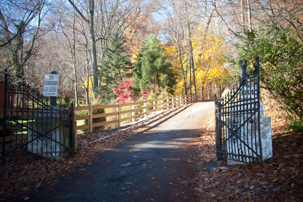 http://cloisterscastle.com/The%20Cloisters%20driveway